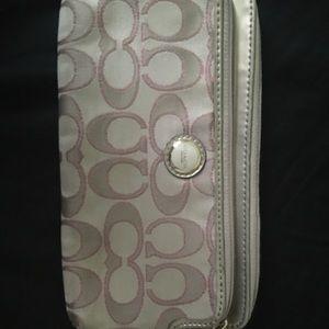 coach fullzip wallet